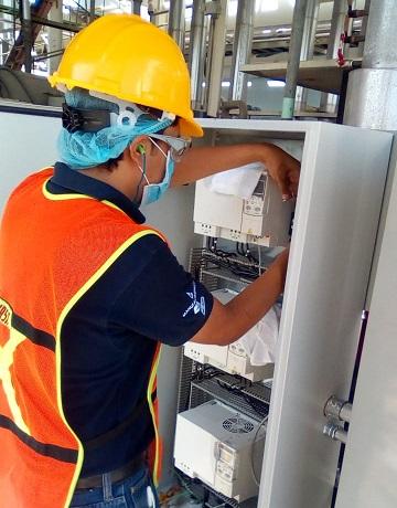 Instalación y puesta en marcha de sistema de bombeo con variadores de frecuencia